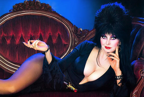 Long ago, Elvira proved that Big Boobs in Public can be TERRIFYING!